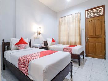 OYO 2411 Taman Mekar Beach Inn 2 Bali - Standard Twin Room Early Bird