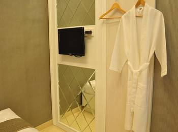 Ipienk House Yogyakarta - Unique Room (Shared Bathroom) Regular Plan