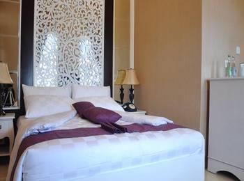 Ipienk House Yogyakarta - Junior Suite Room Regular Plan
