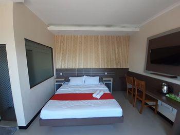 Kedaton House Syariah Banyuwangi Banyuwangi - Double Bed Room Only Regular Plan
