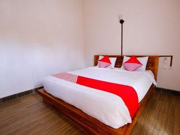 OYO 1485 Hadiqa Villas Lombok - Suite Family Regular Plan