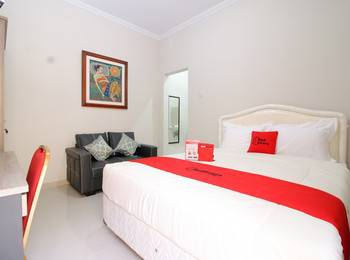 RedDoorz Plus near STIE YKPN Yogyakarta - RedDoorz Room Basic Deal