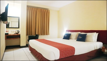 Hotel Marlin Pekalongan - Deluxe Double Room Only Regular Plan