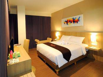 News Hotel Surabaya - Deluxe Room Regular Plan