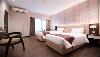The Sun Hotel Sidoarjo - New Superior Room Only Regular Plan