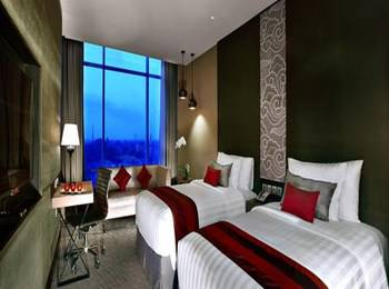 Aston Priority Simatupang - Deluxe Twin with Breakfast Regular Plan