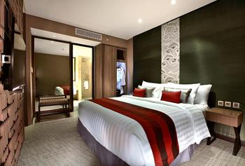 Aston Priority Simatupang - Junior Suite with Breakfast Regular Plan