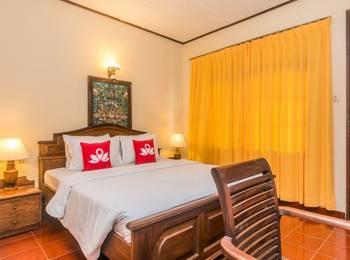 ZenRooms Sanur Danau Toba Bali - Double Room Regular Plan