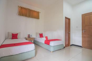 RedDoorz @ Maribaya Street 2 Bandung - RedDoorz Twin Room with Breakfast LM