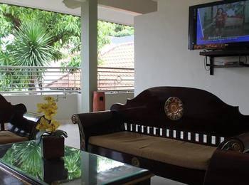 Crown Hotel Lombok - Superior Room Regular Plan
