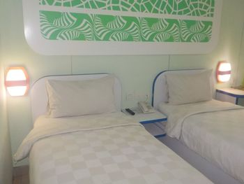 Cordex Hotel Ancol Jakarta - Deluxe Twin Bed with Simple Breakfast Kurma Deal