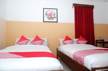 OYO 860 Rajasa Hotel Magelang - Deluxe Twin Room Regular Plan