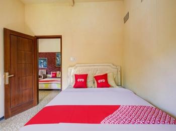 OYO 3470 Villa Dapur Tengger Probolinggo - Suite Triple Regular Plan