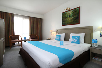 Airy Braga Lembong 21 Bandung - Standard Double Room with Breakfast Special Promo 7