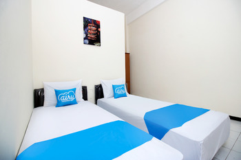 Airy Eco Syariah Wonokromo Ketintang 89G Surabaya Surabaya - Standard Twin Room Only Regular Plan