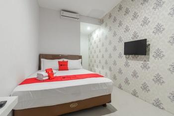 RedDoorz Syariah near ITC Cipulir Mas Jakarta - RedDoorz Room Basic Deal 40%