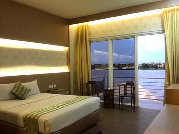 Grand Kartika Hotel Pontianak - Deluxe Riverside Room Regular Plan
