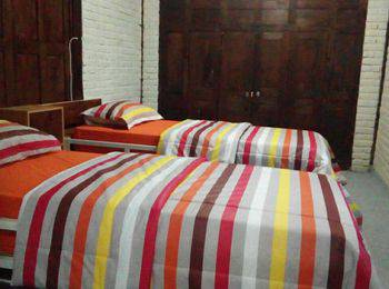 Iwabana Homestay Bali - Twin Bed with extrabed Regular Plan