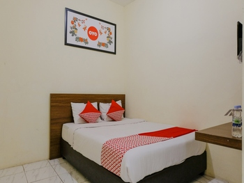 OYO 709 Semampir Residence At Malang Malang - Standard Double Room Regular Plan