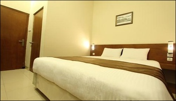 Grand Surya Hotel Yogyakarta - Deluxe Room Only Regular Plan