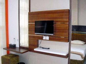 Oemah Koss Guest House Surabaya - Standard Room Lantai 3 Regular Plan