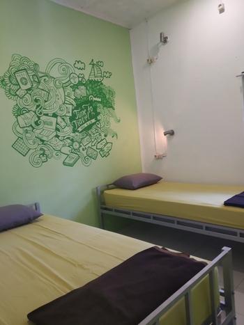 HOZ Bed and Breakfast Yogyakarta - Twin Room Fan Regular Plan
