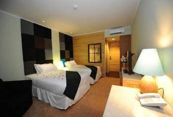 9d4d48c02bd2e7 Chara Hotel Bandung - Standard Twin Regular Plan