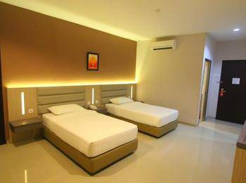 Lovina Inn Batam Centre Batam - Twin Bed Room Save 20% with 10% F&B Discount