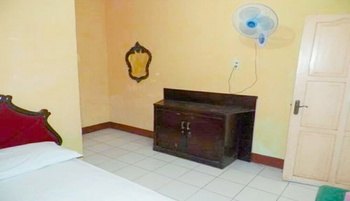 Hotel Afiat Maros - Economy Room Regular Plan