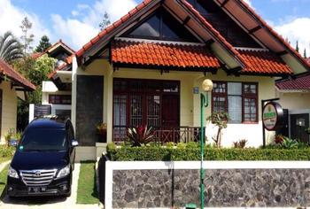 Villa Lotus by DCM Cianjur - 4 Bedroom Special Deals