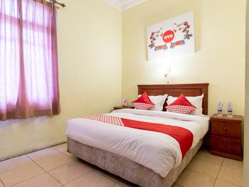 OYO 1030 Hotel Bumi Asih Medan - Deluxe Double Room Regular Plan