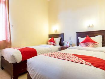 OYO 1030 Hotel Bumi Asih Medan - Deluxe Twin Room Regular Plan