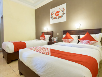 OYO 1030 Hotel Bumi Asih Medan - Suite Family Regular Plan