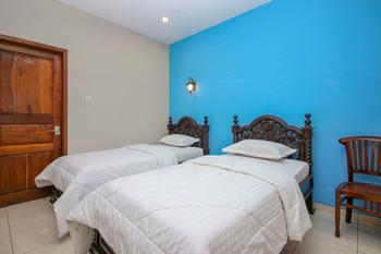 Sky Inn Keprabon 1 Solo Solo - Superior Twin Room Only Regular Plan