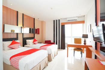 OYO 197 Prime Royal Hotel Surabaya - Deluxe Twin Last Minute
