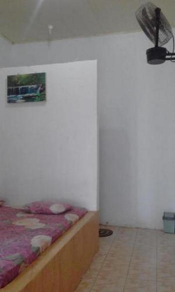 Riswan Guest House Bulukumba - Deluxe Room With Fan Regular Plan