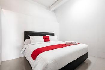 RedDoorz @ Mega Indah Villa Estate Bogor - RedDoorz Room Basic Deal