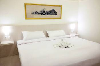 Hotel Victoria Malang Malang - DELUXE SUPERKING / DOUBLE (ROOM ONLY) Regular Plan