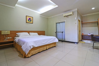 Hotel Sampaga Banjarmasin - Deluxe Room Only Last Minute Deal 41%