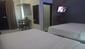 Hotel Sankita Syariah Guci Tegal - Bugenfill Deluxe Twin Room Regular Plan