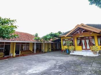 NIDA Rooms Giri Kondang 11