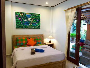 Aurora House Bali - Deluxe Room with Garden View Last Minute 49%