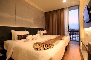 Aveon Hotel Yogyakarta by Daphna International Yogyakarta - Deluxe - Room Only Promo Stay Hepi