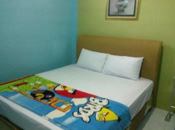 K77 Guest House Medan Medan - Double Room With Shared Bathroom Regular Plan