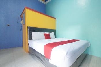 RedDoorz Syariah near Mall Roxy Banyuwangi 2 Banyuwangi - RedDoorz Premium Room Best Deal