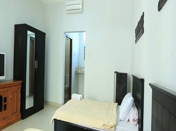RedDoorz @Kartika Plaza Bali - Reddoorz Room Regular Plan