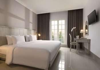 Hotel Santika Seminyak - Deluxe Room King Offer  Last Minute Deal 2021