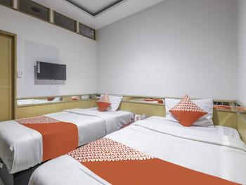 OYO 1646 Imelda Residence Bandung - Deluxe Twin Room Regular Plan