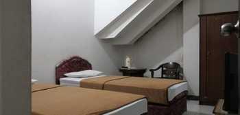 OYO 2452 Hotel Metro Bandung - Standard Twin Room Regular Plan