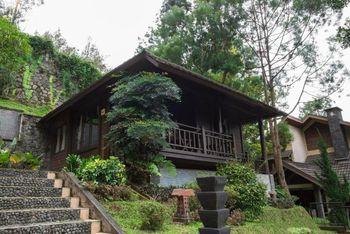 Parkside Talita Resort Ciloto Puncak Cianjur - Villa 1 Bed Room Only Basic Deal